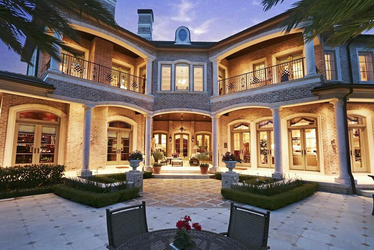 Royal Oaks Courtyard Villas Mcvaugh 11638 Versailles Lakes Ln Houston Tx 77082 Realtor Com
